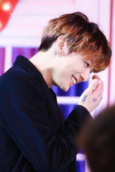 Jungkook Busan, Jungkook Cute, Bts Bangtan Boy, Jimin, Jung Kook, Kpop, Rapper, Bts Maknae Line, Record Producer