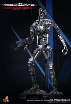 Terminator – Endoskeleton ¼ Scale - The Endoskeleton Quarter Scale Collectible Figure is specially crafted based on the image in the movie, highlighting the electroplated endoskeleton, LED-lighted eyes, weapon and figure stand imitating the movie scene. #GlobalGear