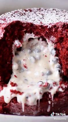 Easy Cookies and Cream Red Velvet Mug Cake Recipe TikTok - desserts Mug Recipes, Baking Recipes, Sweet Recipes, Cake Recipes, Dessert Recipes, Recipes Dinner, Snacks Recipes, Apple Recipes, Dinner Ideas