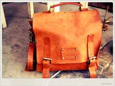 Frankie Fierce in Eco Camel Leather.  Check at www.omybag.nl