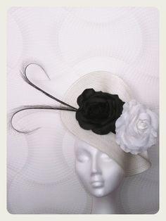 Tocado blanco y negro. Glam Style, Band, Inspiration, Accessories, Fashion, Fascinators, Black And White, Biblical Inspiration, Moda