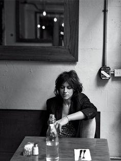 数年前からNYに暮らすシャルロット・ゲンズブール。パリでの忙しい日々をリセットし、子どもと過ごし、料理をし、新しい創作のためのさまざまなインスピレーションを、この街から受けている。表現者としてさらにパワーアップしている彼女の、とっておきアドレスをご紹介!
