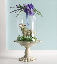 Best Cloche decor ideas on Cloche Decor, Easter Lamb, The Bell Jar, Bell Jars, Diy Ostern, Easter Parade, Easter Table, Vintage Easter, Easter Crafts