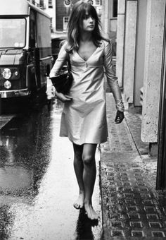 Walking barefoot is one of my favourite things to do...Jean Shrimpton is so pretty and so is that pretty dress.