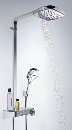 Hansgrohe Raindance Select E 300 3jet: Sowohl die Kopf- als auch die Handbrause verfügen über 3 mögliche Strahlarten. Erleben Sie die volle Bandbreite vom weichen Regenstrahl über einen kräftigen Guss bis hin zum konzentrierten Massagestrahl Whirl. Dank XXL Performance wird beim Duschen der ganze Körper von wohltuenden Wassertropfen umhüllt. Über die Select-Knöpfe wechseln Sie nicht nur ganz bequem zwischen den Strahlarten hin und her, sondern aktivieren auch die Brausen. #regendusche…