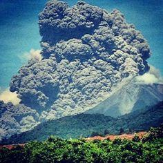 Volcán del Fuego en actividad