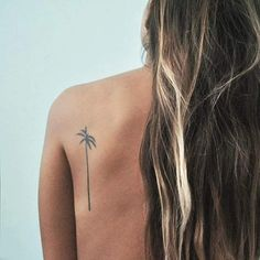 Cool Tiny Back Tattoo witH Coconut Palm Desing