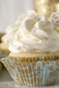 White Chocolate Raspberry Champagne Cupcakes Recipe