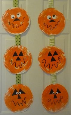 37 Unique And Cute DIY Halloween Crafts For Kids To Steal The Show - - Let the spookiness and eerie feel prevail with these DIY Handmade Craft For Kids. DIY Halloween Crafts For Kids and halloween craft ideas for adults. Halloween Arts And Crafts, Halloween Crafts For Toddlers, Halloween Crafts For Kids, Adult Crafts, Toddler Crafts, Preschool Crafts, Halloween Diy, Kids Crafts, Kids Diy