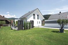 #weberhaus #fertigbauweise #fertighaus #holzbauweise #wohnen #bauen Pergola, Shed, Outdoor Structures, Outdoor Decor, Summer, Rooms, Home Decor, Patio, Floor Layout