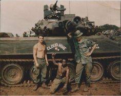 "Ron Mihalenko & Friends of the Squadron, Armored Cavalry in Quan Loi, Viet Nam in Sheridan ""Cloud Nine"" Military Guns, Military History, Military Vehicles, Military Uniforms, Vietnam War Photos, Vietnam Veterans, Sheridan Tank, Sniper Training, Model Tanks"