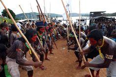 Etnia Kayapó está na Semana dos Povos Indígenas com quase 4 mil representantes   Folha do Bico