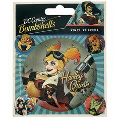 "Set di adesivi ""DC Bombshells"" dedicati ad #HarleyQuinn. 1 sticker grande (dimensioni: 10 x 12,5 cm) e 4 sticker più piccoli (2 x 2 cm)."