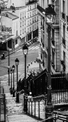 Paris morning... (by JOLIVETV on Flickr)