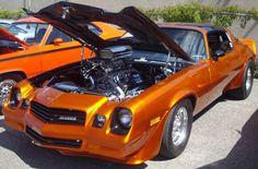 Chevrolet_Camaro_Z28_(Auto_classique_Showtime_Muscle_Cars_'12).JPG (2741×1804)