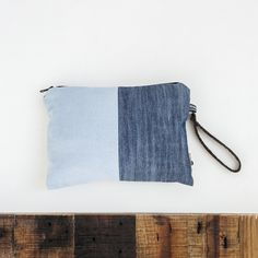 x2 BACKTOECO. The essential hand bag that to store your basic things, and move them from one side to another. #recycle #jeans #bag