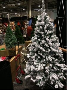 Perfect Holiday Christmas Tree, Flocked Snow * Click picture to evaluate more information. (This is an affiliate link). Classy Christmas, Cheap Christmas, Christmas Home, Christmas Holidays, White Christmas, Merry Christmas, Flocked Artificial Christmas Trees, Flocked Christmas Trees, Christmas Tree Decorations