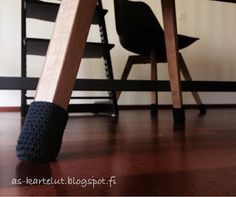 AS-kartelut: Sukat tuolinjaloille Crochet, Home, Ad Home, Ganchillo, Homes, Crocheting, Knits, Chrochet, Haus