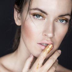 #photo #beauty #monikamotor @monikamotor_photography #model @dziun #makeup #makeupartist #makeupbyme #eminorembergmakeupartist #gold #mua #hair @insane260688