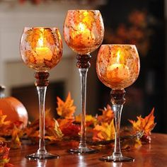 It's everyone's favorite - our Hand-Painted Leaf Charisma are must-haves for your table! #kirklands #harvest