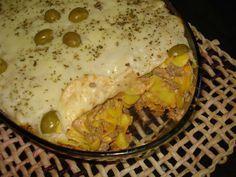 INGREDIENTES  400 g de carne moída 400 g de macarrão (formato a escolher) 250 g de queijo mussarela 1 lata de creme de Leite 270g de extrato de tomate 1 lata de milho