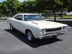 1968 PLYMOUTH ROAD RUNNER CUSTOM 2 DOOR SEDAN