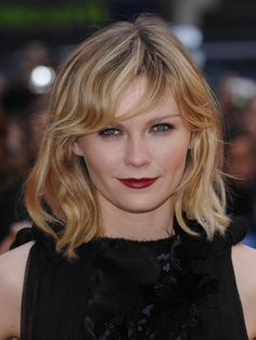 Kirsten Dunst Bob Cut Hairstyles for Round Chubby Face - Short Hair Styles Kirsten Dunst, Trendy Hairstyles, Bob Hairstyles, Medium Hair Styles, Short Hair Styles, Shaggy Bob Haircut, Celebrity Bobs, Haircut Images, Langer Bob