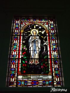 Vitral Virgen de Lourdes, Iglesia de Santa Teresita, San José, Costa Rica