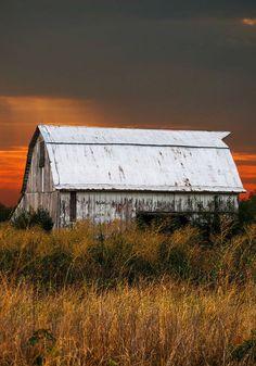 Old whitewashed barn.....