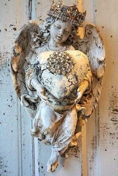 Chérubin ange statue murale w / Couronne coeur par AnitaSperoDesign