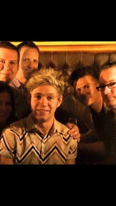 Unseen pic of Niall at a bar back in October Niall Horan, Zayn, One Direction Singers, Irish Leprechaun, Deep Diving, Irish Boys, Blonde Guys, Twitter Layouts, Irish Blessing