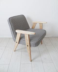 Popularny fotel ''366'' z lat 60-tych zaprojektowany przez Józefa Chierowskiego. Fotel po renowacji, tapicerkę stanowi wysokogatunkowa tkanina tapicerska, tył fotela obity przyjemnym w dotyku...