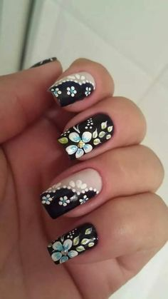 Flower nail designs are perfect for Teen Girls. There are many choices of flower nail designs for you. Flower Nail Designs, Simple Nail Art Designs, Flower Nail Art, Easy Nail Art, Trendy Nails, Cute Nails, Spring Nails, Summer Nails, Pastel Nail Art