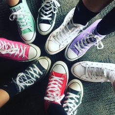 Converse All Star, Cool Photos, Friendship, Vans, Cool Stuff, Sneakers, Projects, How To Wear, Collection
