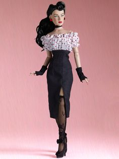 MAXINE - Re-Imagination Archive - Fashion Dolls Archive - Tonner Doll Archive