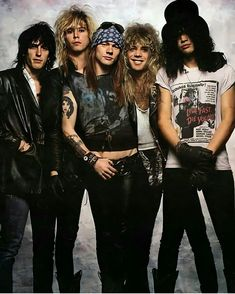 slash Guns N Roses axl rose Izzy Stradlin duff mckagan Steven Adler - Modern Slash Guns N Roses, Guns And Roses, Roses Quotes, Ac Dc, Michael Jackson, Big Hair Bands, Die Queen, Duff Mckagan, Welcome To The Jungle