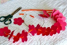 Have a Hawaiian Luau at home!  Such a fun little craft made from things most of us have around the house!