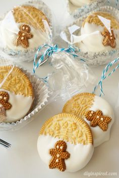 Quick and Easy (and Delicious) Gingerbread Flavored OREO Cookies Friends and Neighbor Gift!