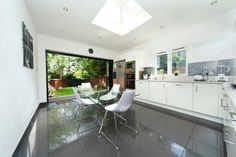Flat for sale in Alexandra Park Road, London N10 - 29236574