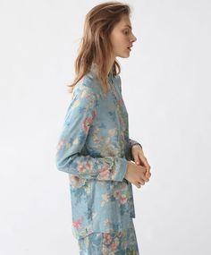 Camisa floral vintage - Koszulowe - Modowe trendy AW 2016 dla kobiet na stronie Oysho: bielizna, odzież sportowa, motywy etniczne i cygańskie, buty, dodatki, akcesoria i stroje kąpielowe.