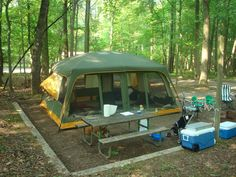 Tent Camping Returns As A Cheap Vacation.never left in my book! Camping Games, Camping Glamping, Camping Checklist, Camping Ideas, Screen Tent, Screen House, Rv Tent, Hiking Tent, Camping Organization