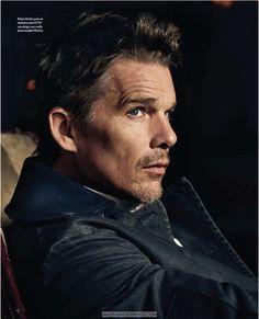 El fotógrafo Michael Schwartz captura al actor Ethan Hawke en la edición de Septiembre de ICON Magazine