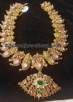 330 Grams Mango Necklace - Jewellery Designs