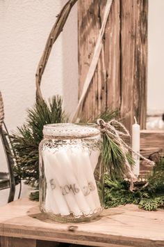 Adventkranz und Adventkalender in einem Advent, Ladder Decor, Table Decorations, Home Decor, Calendar, Christmas, Decoration Home, Room Decor, Home Interior Design