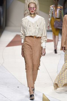 #Trussardi  #fashion  #Koshchenets Trussardi Spring 2017 Ready-to-Wear Collection Photos - Vogue