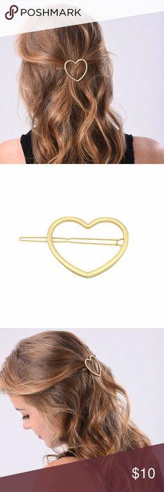 Gold heart hair clip 💛 Gold heart hair clip. Alloy Accessories Hair Accessories