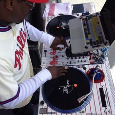 DJ JAZZY JEFF'S CUSTOM TECHNICS & PIONEER MIXER