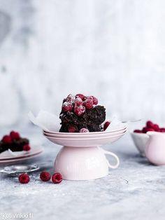 Brownies –  varoitus, tässä huippuhyvä ohje! Se on paitsi supersuklainen, myös melkein liian makea. Katso ihana brownies-resepti!