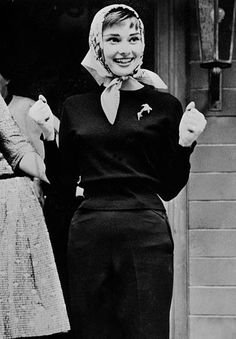 Audrey Hepburn is my religion — Audrey Hepburn, circa Audrey Hepburn Photos, Audrey Hepburn Style, Perfumes Vintage, Head Scarf Styles, Old Movie Stars, Fair Lady, Old Hollywood, Role Models, My Idol