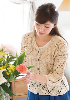 Crochet Bolero Pattern, Crochet Jacket, Crochet Blouse, Cardigan Pattern, Knit Crochet, Top Pattern, Crochet Symbols, Drops Design, Mittens